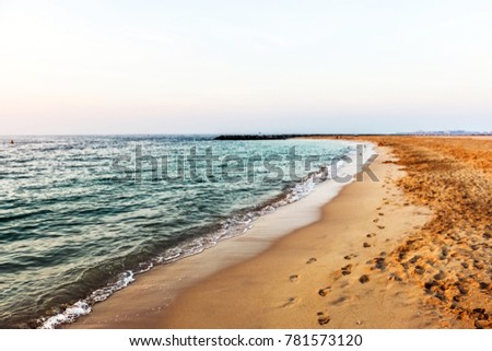 Horizon of Seascape, water waves at Jumeirah Beach in Dubai, United Arab Emirates