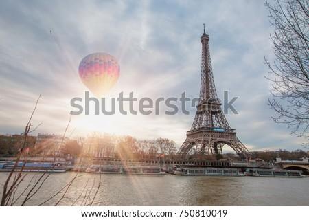 Hot Air Balloon Flying Over Eiffel Stock Photo 750810049 ...
