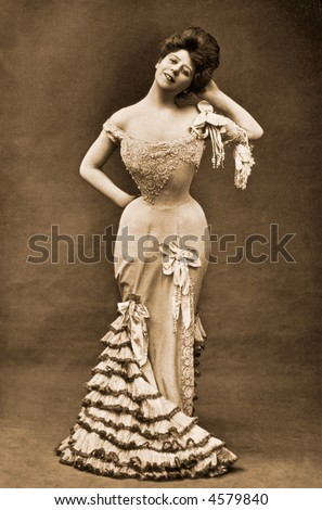 Hourglass figure of Camille Clifford, the ideal 'Gibson Girl' - circa 1918 vintage photo