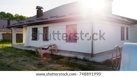 Roof, Water Drain System, On Sunset