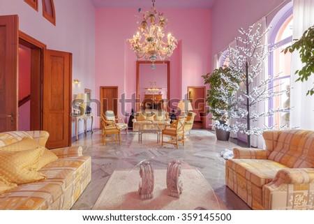 Fantastic Classic Style Living Room Elaboration - Living Room ...