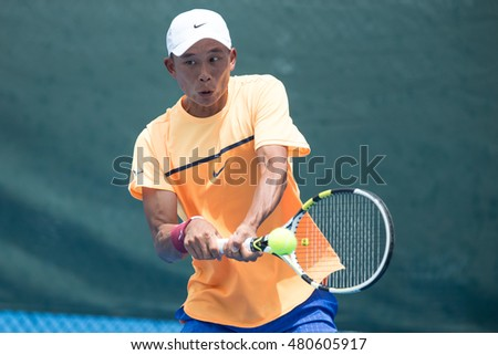 HUA HIN, THAILAND-AUGUST 25:Ti Chen of Chinese Taipei returns a ball during Day 4 of ITF Pro Circuit Thailand Men's F1 on August 25, 2016 at True Arena Hua Hin in Hua Hin, Thailand