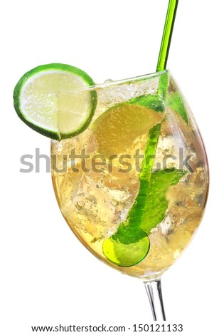 Hugo cocktail, made with elderflower, champagne, soda, lime and garnished with mint.
