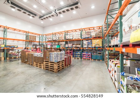 Humble tx us jan 12 2017fresh stock photo 554828149 shutterstock humble tx us jan 12 2017fresh produce refrigerated room in thecheapjerseys Images