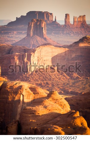 Hunt's Mesa, Arizona, Monument Valley Navajo Tribal Park, canyons and mittens at sunrise
