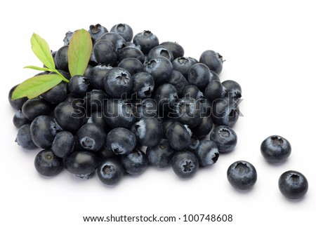 I attached a leaf to many blueberries and took it in a white background.