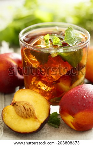 Iced tea with peach and nectarine