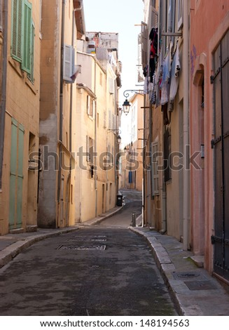 if you want to feel calm in a big city try to find lonely old street, Marseille, France