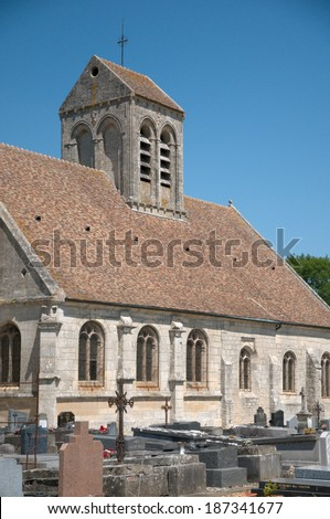 Ile de France, the picturesque church of Nucourt