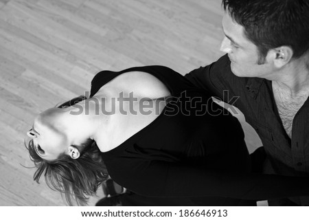 image of  a young couple dancing tango