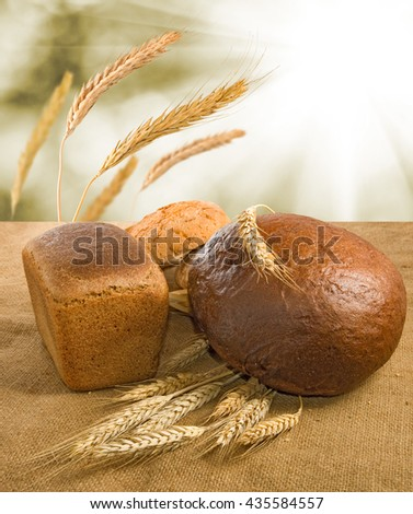 Image of bread and wheat closeup
