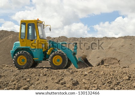 Industrial earth moving digger