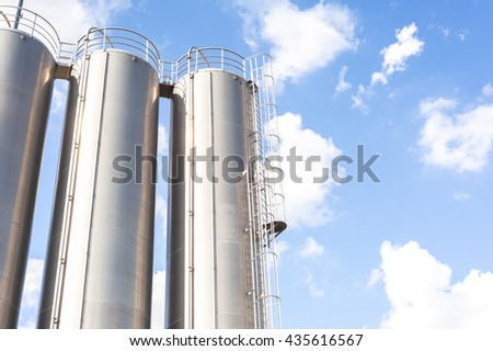 Industrial silos for chemical production, by stainless steel.