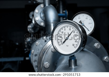 Industrial water temperature meter with pipes