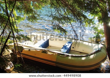 inflatable boat on the lake, boating on Lost Lake