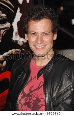 "Ioan Gruffudd at the Los Angeles premiere of ""300"" at the Grauman's Chinese Theatre, Hollywood. March 6, 2007  Los Angeles, CA Picture: Paul Smith / Featureflash"