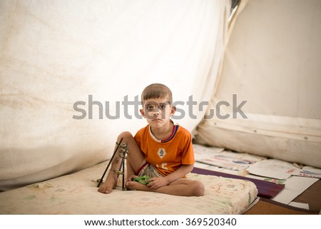 Iraq, Kirkuk, 25 OCTOBER 2015 Munir Nevvaf five years, where they live in refugee camps Yahyav to create the Turkmen immigrants.