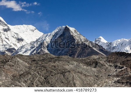 Island Peak or Imja Tse view on the way to Everest Base Camp in Sagarmatha National Park, Himalayas, Nepal.