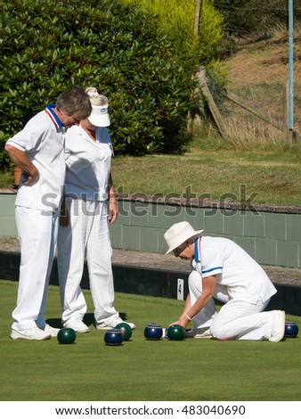 ISLE OF THORNS, SUSSEX/UK - SEPTEMBER 11 : Lawn Bowls Match at Isle of Thorns Chelwood Gate in Sussex on September 11, 2016. Unidentified people