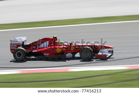 ISTANBUL - MAY 07: Fernando Alonso drives a Ferrari team car during qualifying for F1 Turkish Grand Prix, Istanbul Park on May 07, 2011 Istanbul, Turkey