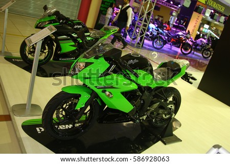 ISTANBUL, TURKEY   FEBRUARY 23, 2017 Kawasaki Ninja 250 SL On Display At  Moto