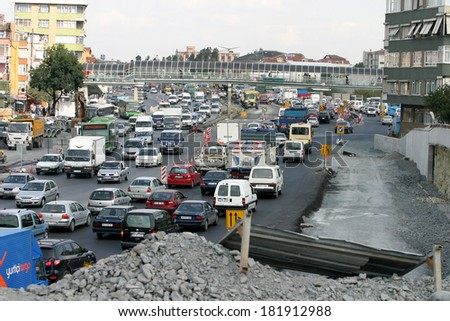 ISTANBUL, TURKEY - SEPTEMBER 16: Traffic jam and road construction at E-5 Highway in Istanbul European Side on September 16, 2006 in Istanbul, Turkey.