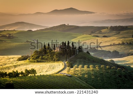 Italy, farmhouse in the countryside, Tuscany, landscape - stock photo
