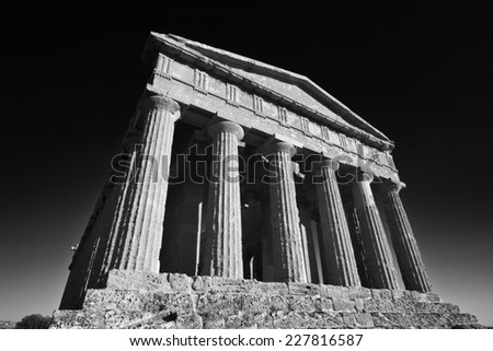 Italy, Sicily, Agrigento, Greek Temples Valley, The Concord Temple (440 b.C.)