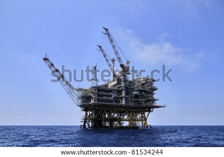 Italy, Sicily, Mediterranean Sea, Sicily Channel, offshore oil platform off the South-eastern coast of the island - stock photo