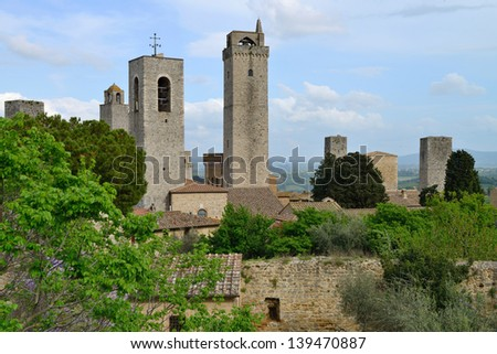 Italy, Tuscany. San Gimignano. Medieval town with 14 defensive towers