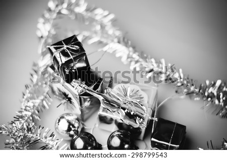 item decorate for christmas tree black and white color tone style