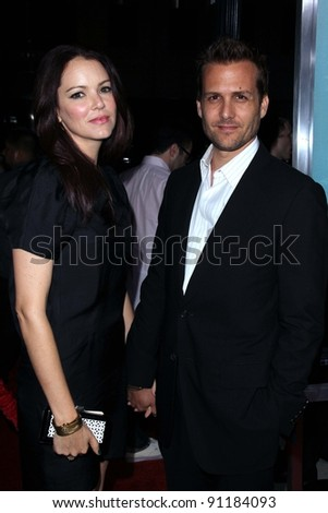 jacinda barrett and gabriel macht  stock-photo-jacinda-barre...