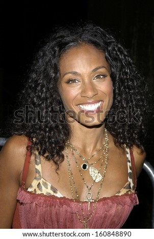 Jada Pinkett Smith arrives at SHARKSPEARE IN THE PARK, the premiere of SHARK TALE at the Delacorte Theatre in Central Park, New York, September 27, 2004 - stock photo