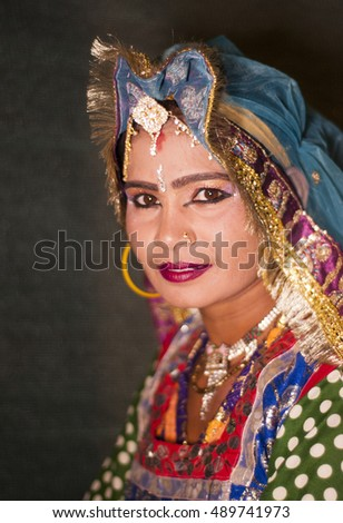JAISALMER, RAJASTHAN, INDIA, 30 NOVEMBER 2013  : Portrait of unidentified Rajasthani Folk Dancer in traditional clothes and jewelry during their traditional festival,