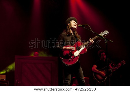 James Bay performing in Pittsburgh Wednesday, September 29, 2016, at Stage AE.