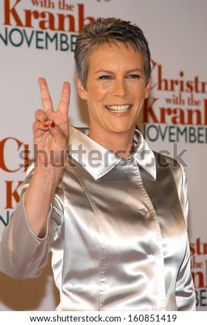 jamie lee curtis at the premiere of christmas with the kranks at radio city music hall