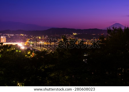 Japan of the city and Mount Fuji (at sunset views)