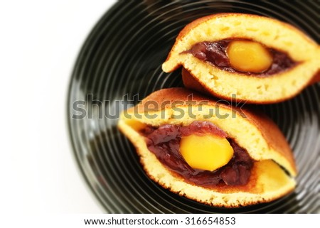 Japanese confectionery, Chestnut and red bean paste Pancake Dorayaki