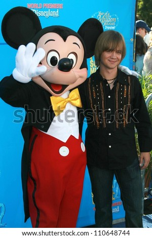 "Jason Earles at the world premiere of Disney's ""High School Musical 2"". Downtown Disney, Anaheim, CA. 08-14-07"