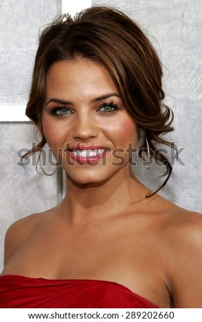 Jenna Dewan attends the 'Step Up' Los Angeles Premiere held at the Arclight Theater in Hollywood, California on August 7, 2006.  - stock photo