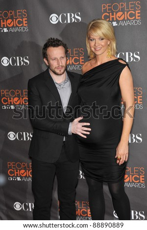 Jenna Elfman & Bodhi Elfman at the 2010 People's Choice Awards at the Nokia Theatre L.A. Live in Los Angeles. January 6, 2010  Los Angeles, CA Picture: Paul Smith / Featureflash