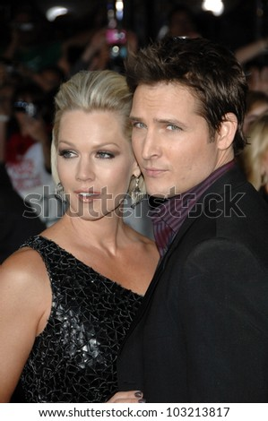 "Jennie Garth and husband Peter Facinelli  at the ""The Twilight Saga: New Moon"" Los Angeles Premiere, Mann Village Theatre, Westwood, Ca. 11-16-09"