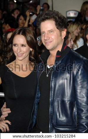 "Jennifer Love Hewitt and Jamie Kennedy at the ""The Twilight Saga: New Moon"" Los Angeles Premiere, Mann Village Theatre, Westwood, Ca. 11-16-09"