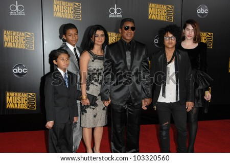 Jermaine Jackson at the 2009 American Music Awards Arrivals, Nokia Theater, Los Angeles, CA. 11-22-09