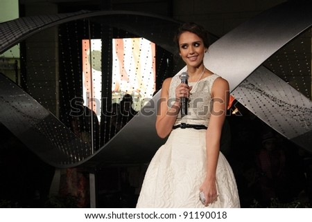 """Jessica Alba at the """"Let It Sparkle"""" Rodeo Drive Lighting Ceremony, Rodeo Drive, Beverly Hills, CA 11-21-11 - stock photo"""