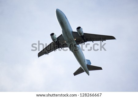 jet overhead at vancouver airport