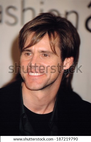 Jim Carrey at the VH1/ Vogue Fashion Awards, NYC, 10/19/01