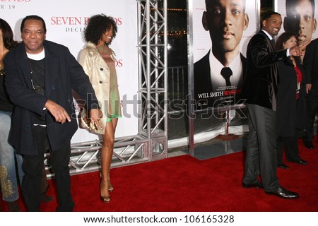 John Witherspoon with Vanessa Williams and Will Smith   at the Los Angeles Premiere of 'Seven Pounds'. Mann Village Theatre, Westwood, CA. 12-16-08 - stock photo