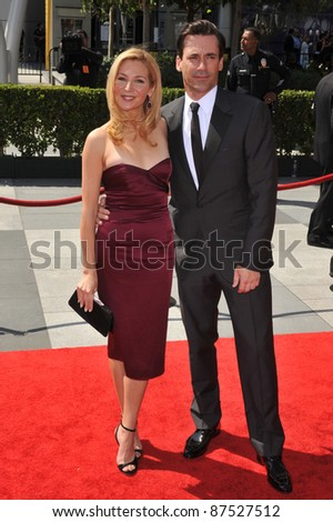 Jon Hamm & Jennifer Westfeldt at the 2009 Creative Arts Emmy Awards at the Nokia Theatre L.A. Live in Downtown Los Angeles. September 12, 2009  Los Angeles, CA Picture: Paul Smith / Featureflash