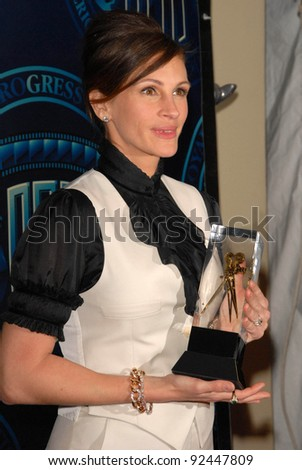 Julia Roberts at the ASC 25th Annual Outstanding Achievement Awards, Grand Ballroom, Hollywood. CA. 02-13-11